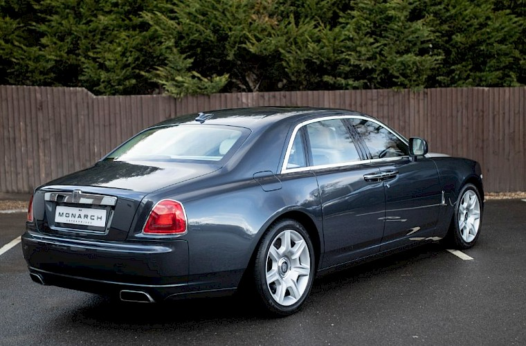 2011/60 Rolls-Royce Ghost V12 13