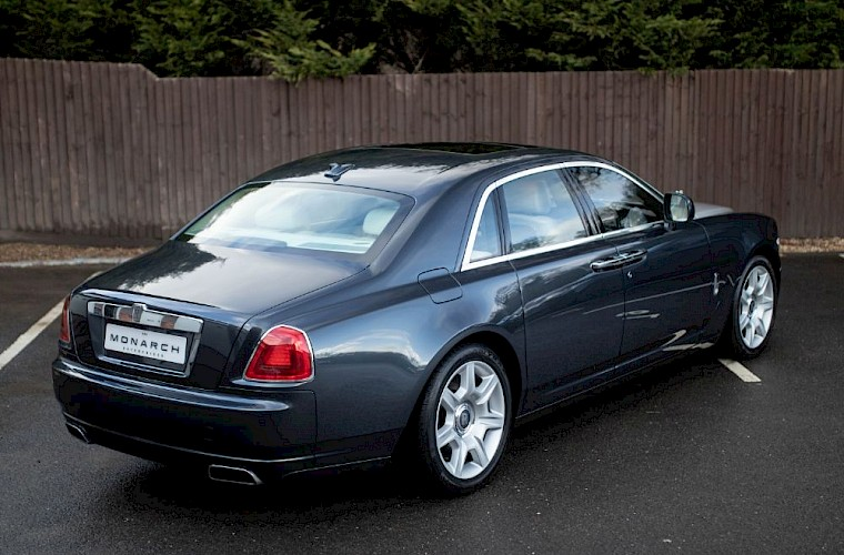 2011/60 Rolls-Royce Ghost V12 9