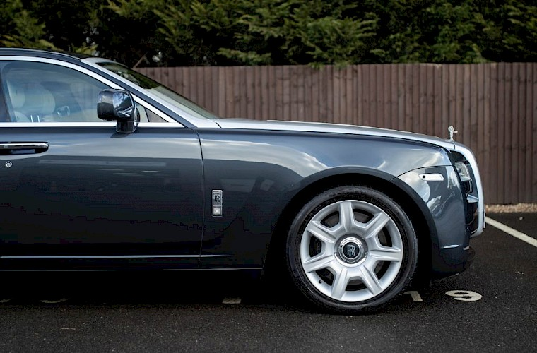 2011/60 Rolls-Royce Ghost V12 16