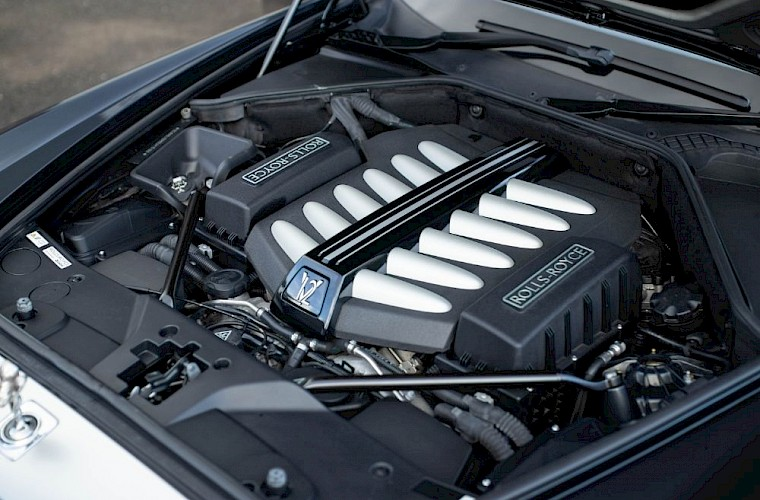 2011/60 Rolls-Royce Ghost V12 22
