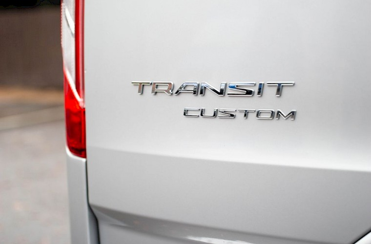 2018/68 Ford Transit Custom MS-RT 320 L2H1 Limited 19