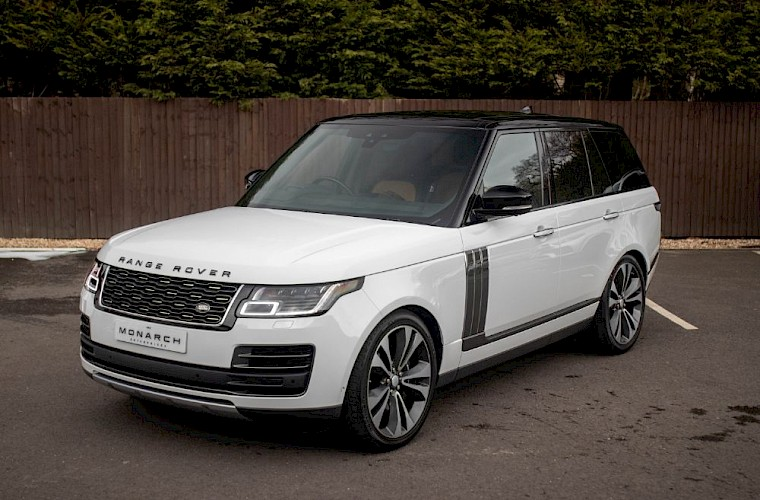 2020/20 Range Rover SV Autobiography Dynamic 2