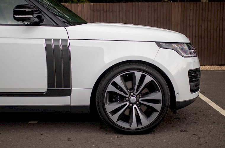 2020/20 Range Rover SV Autobiography Dynamic 16